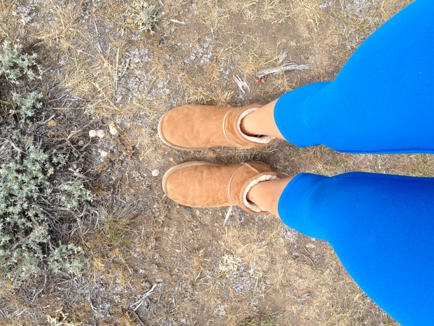 obvious essentials: blue lululemons and ugg booties