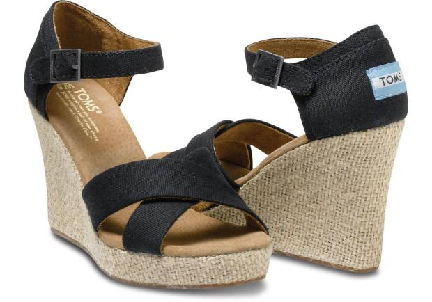 Toms strappy wedge in black