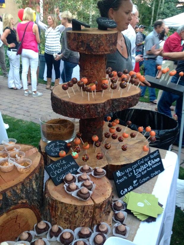 beautiful cake pop display from Sweet Crumb