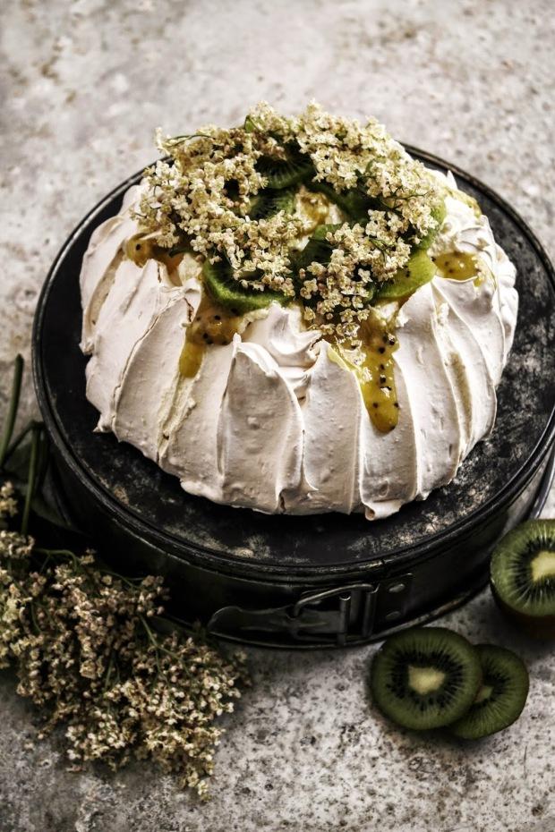 """""""pavlova with kiwi lime curd and elderflower cream"""""""