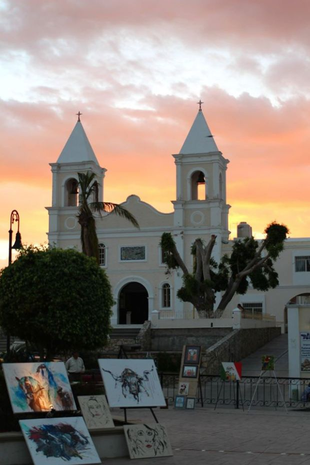 the square at san jose del cabo at sunset