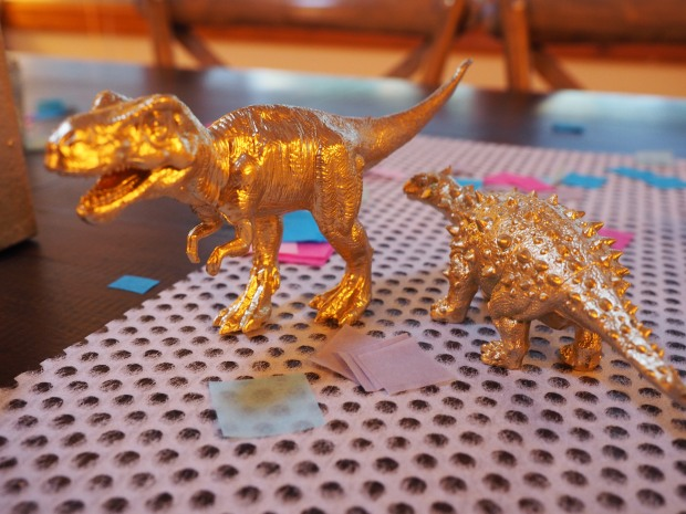 more gold dinos