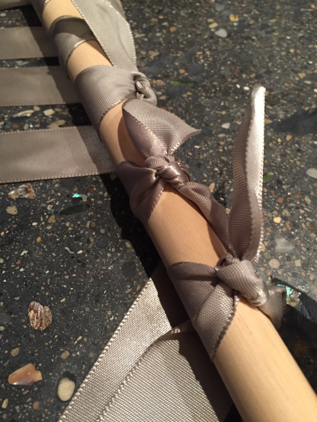 a double knot detail on the dowel