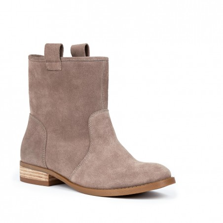 the natasha bootie in taupe. i am currently on the waitlist for the black ones