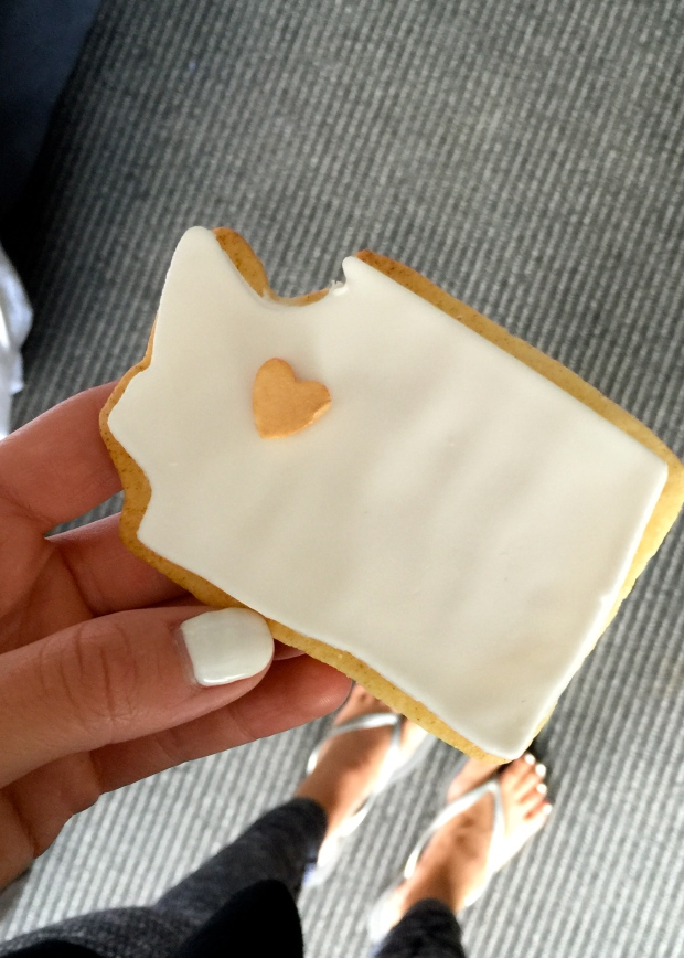 the cutest (and best) cookie i think i have ever eaten at 10:00 am on a sunday...