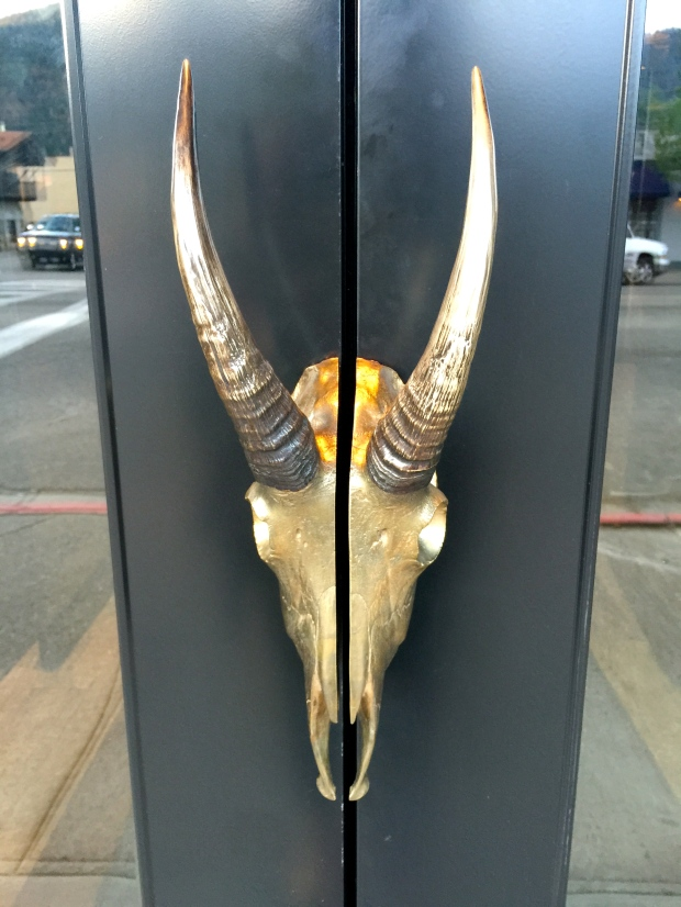 this door handle makes me swoon