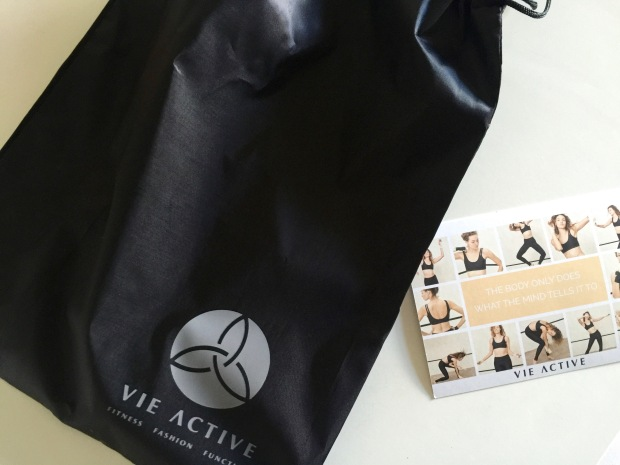 love the bag they send with the leggings (perfect for sweaty clothes or bathing suits)